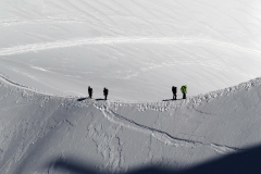 Snow ridges in the Mont Blanc massif I