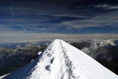 Snow ridges in the Mont Blanc massif III